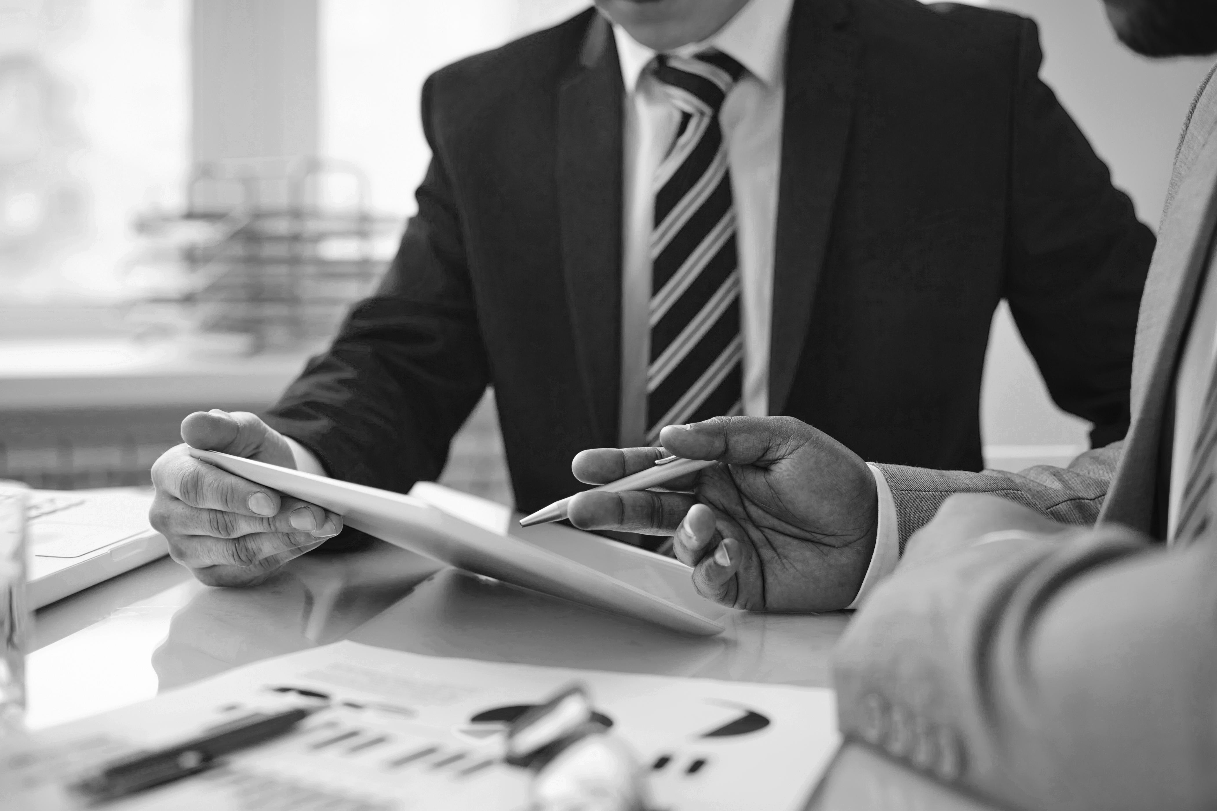 Chefs d'entreprise non salariés : comment pallier la faible prévoyance obligatoire ?